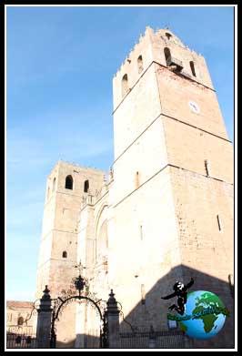 Fachada pincipal de la Catedral de Sigüenza.
