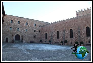 Patio de armas en el Castillo de los Obispos de Sigüenza.