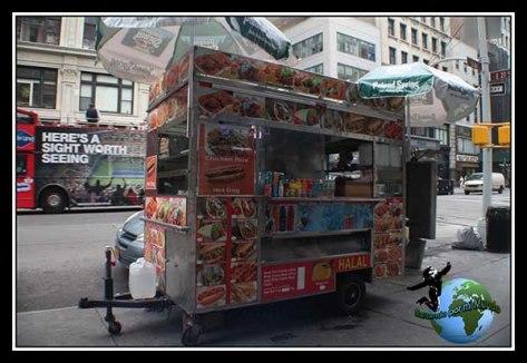 En New York hambre no se pasa....carritos de éstos cada pocos pasos.