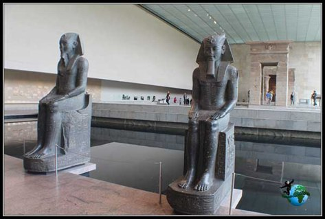 Templo de Dendur dentro del Metropolitan Museum de New York
