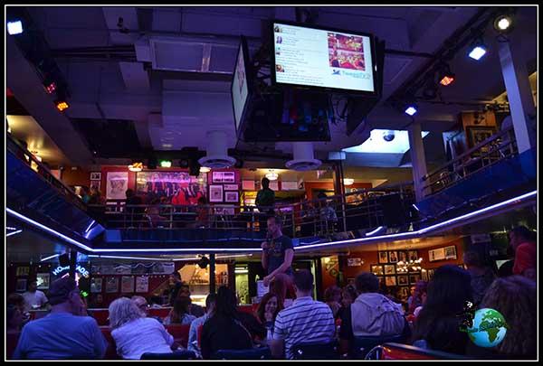 Stardust Diner, Cena con Musical en New York.