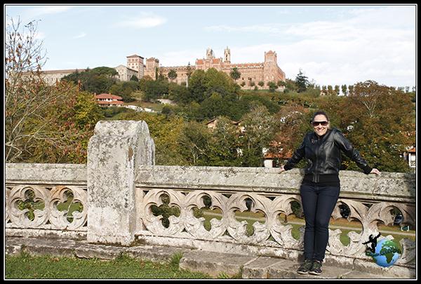 Vistas de la Umiversidad de Comillas desde el Palacio de Sobrellano.