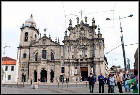 Iglesia del Carmen, junto a la Iglesia de los Carmelitas de Oporto.