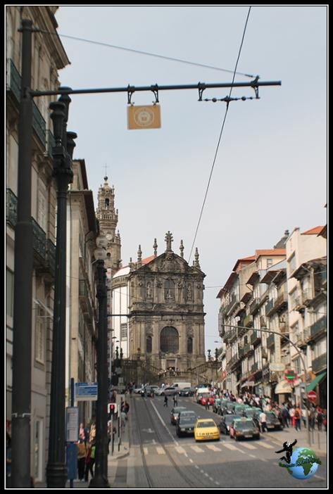 Igreja de los  Clérigos en Oporto.