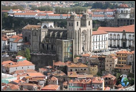 Sé Velha desde la Torre dos Clérigos en Oporto.