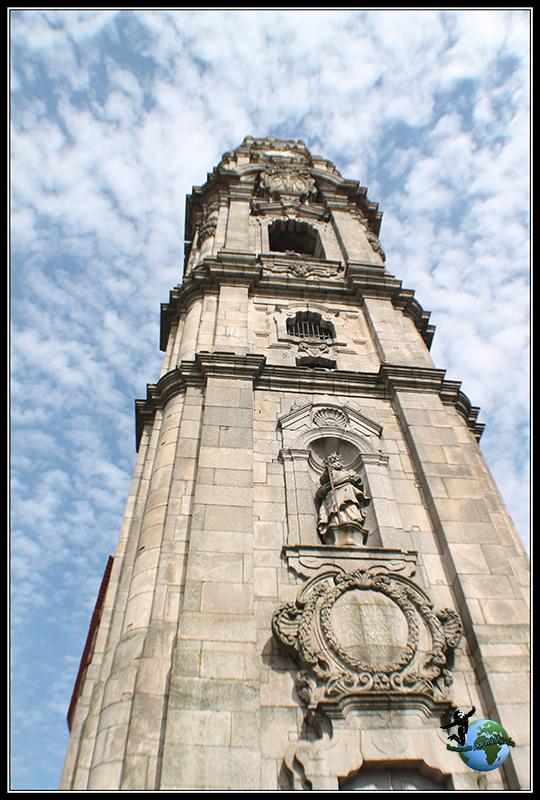 Entrada a la Torre dos Clerigos en Oporto.