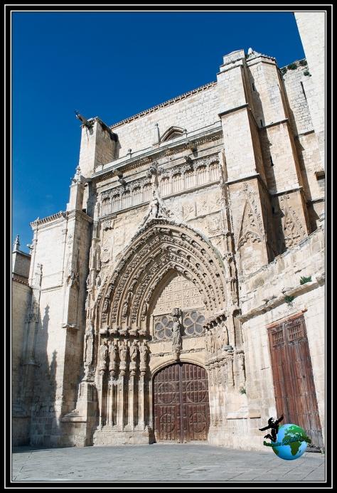 Puerta de los Reyes de la Catedral de San Antolín de Palencia.