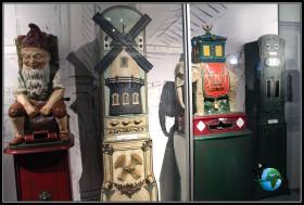 Buzones antiguos de correos en el interior del museo del chocolate de Lindt de colonia.