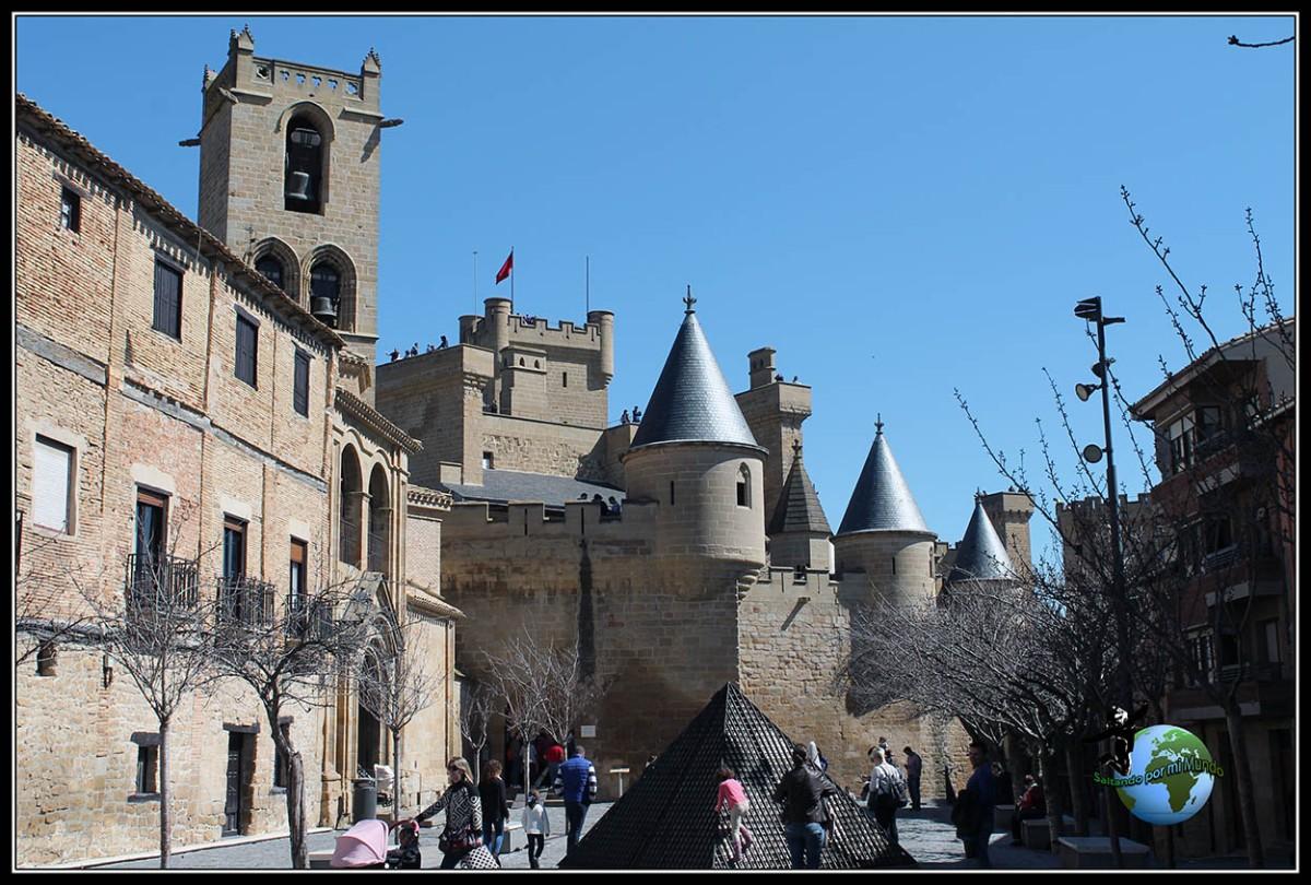 Dia 4 Navarra – Olite – Cerco de Artajona – Monasterio de Irache – Estella – Puente la Reina.