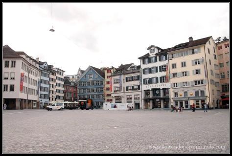 Plazas que encontramos por Zurich.