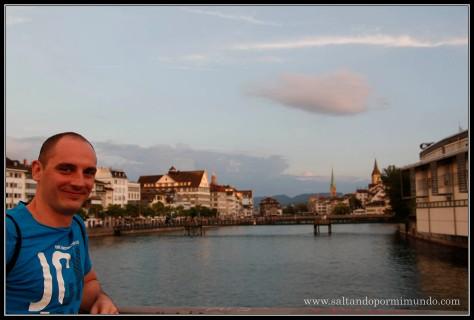 Atardeciendo sobre Zurich.