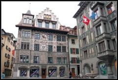 Fachadas de las casas en Lucerna. Auténticas obras de arte.