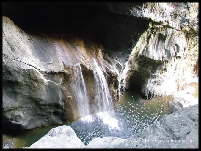 1474 - Cascada en los alrededores de las Cuevas de Škocjan dom25-9