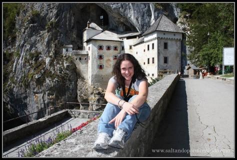 1508 - Patry y el Castillo de Predjama dom25-9