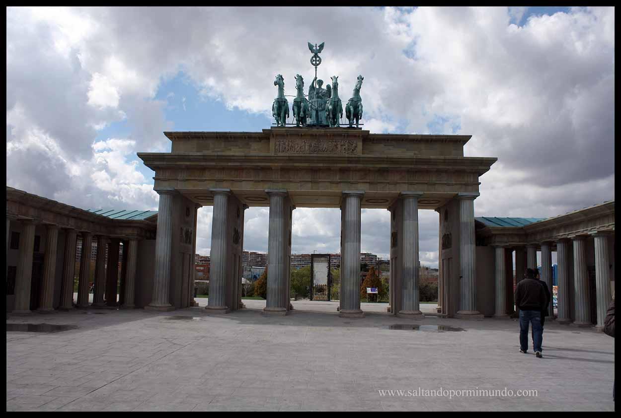 Puerta Brandenburgo en el Parque Europa