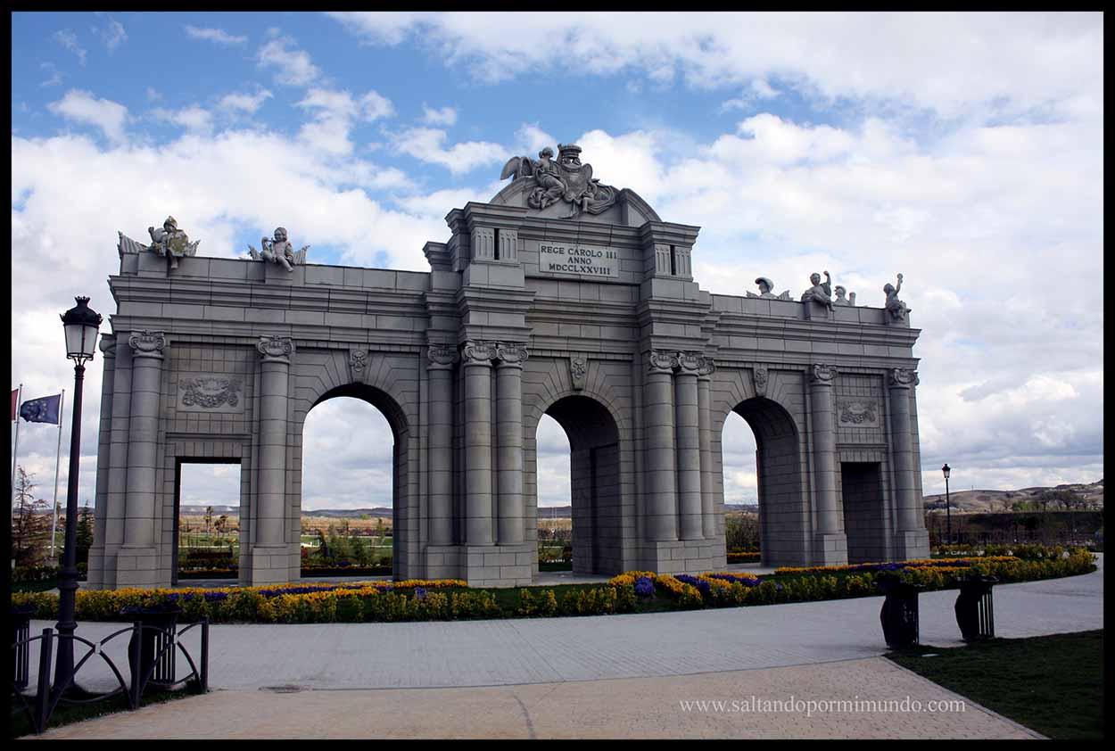 Puerta de Alcalá en el Parque Europa