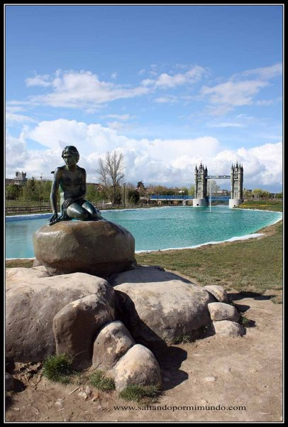 La Sirenita en el Parque Europa de Torrejón de Ardoz