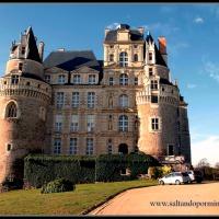 Viaje al Valle del Loira en Navidad. Dia 2. Angers - Chateau de Brissac - Chateau de Saumur - Chateau de Breze - Abaye Royale de Fontevraud - Tours