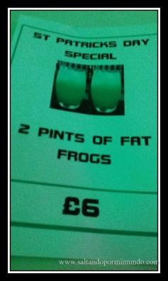 2 Pintas de rana gorda, visto en Liverpool.