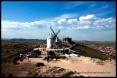 Molino de viento y Castillo de la Muela en Consuegra.