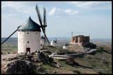 Molinos de viento y Castillo de la Muela en Consuegra.