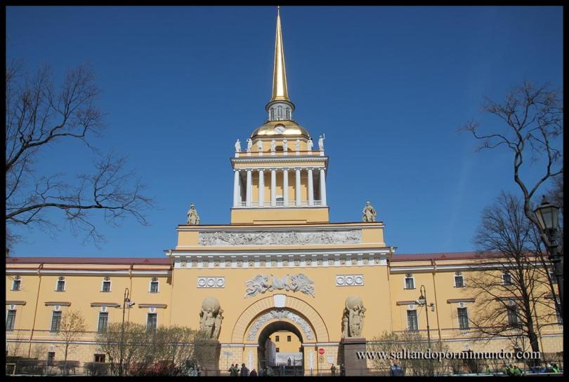 Edificio del almirantazgo en San Petersburgo.