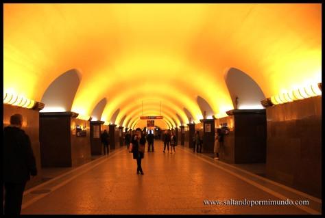 Estación de metro Ploschad Lenina en San Petersburgo.