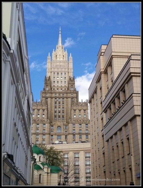 Un imprescindible de Moscú son las siete hermanas de Stanlin.
